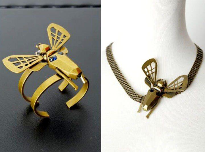 DRESS CODE 秋冬昆蟲手環、項鍊等以鏤空設計呈現黃銅金屬輕巧又充滿生命力...