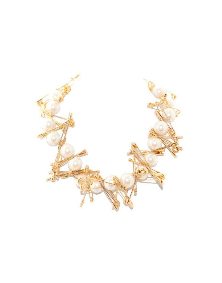 Tom Binns的金色珍珠迴紋針項鍊。圖/CLUB DESIGNER提供