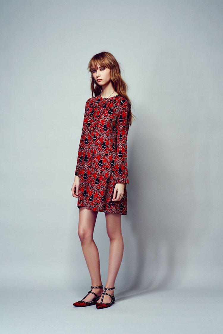 LAURENCE DOLIGE紅色民族風款印花洋裝也能穿出俏麗優雅。圖/Leve...