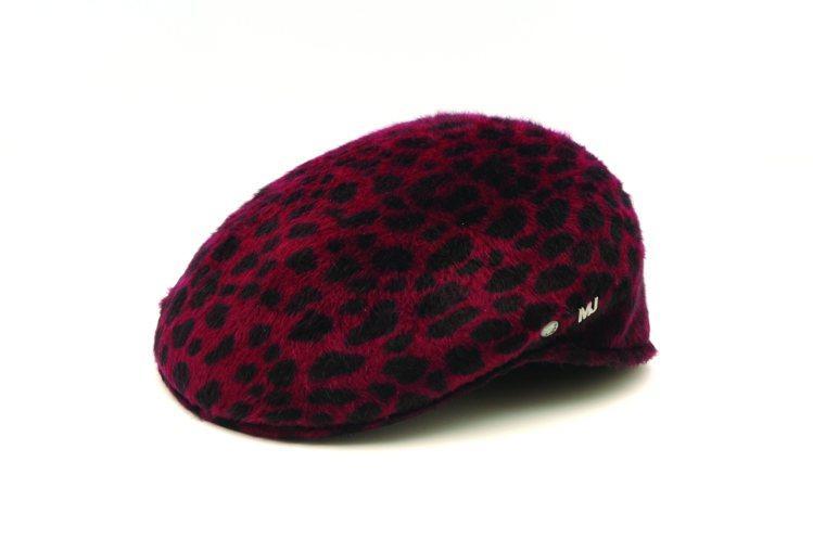 以袋鼠為品牌標記的英國帽款品牌KANGOL,開啟貝雷帽的流行盛況。圖/style...