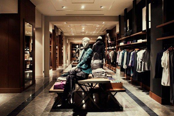 西班牙人氣品牌 Massimo Dutti 首家全球精品旗艦店,於巴黎最高檔的標...