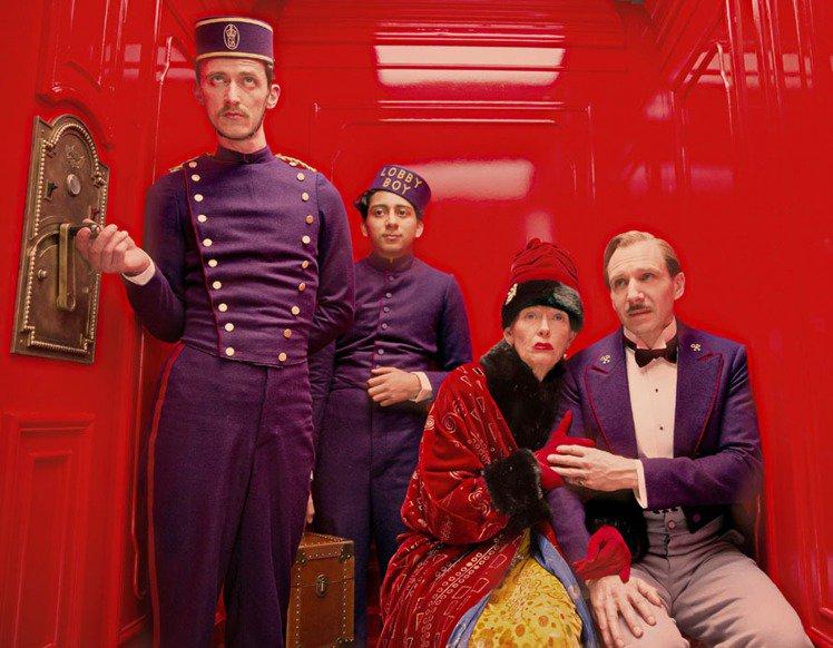 「歡迎來到布達佩斯大飯店」不僅一口氣集合雷夫范恩斯、蒂妲史雲頓、艾德華諾頓等10...