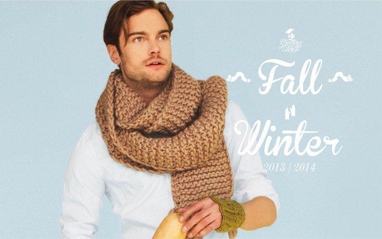 這些爺爺奶奶們手工製成的純羊毛手織品,色彩和款式都相當流行新穎,除了基本的圍巾,...