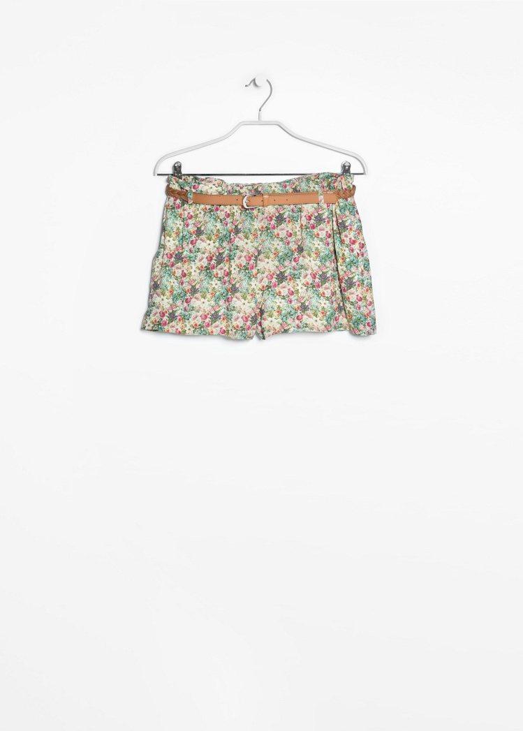 碎花短褲,1,690元。圖/MANGO提供