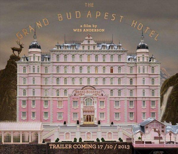 魏斯安德森營造出具有童話般外表的「布達佩斯大飯店」,故事卻藏著懸疑複雜又荒謬怪誕...