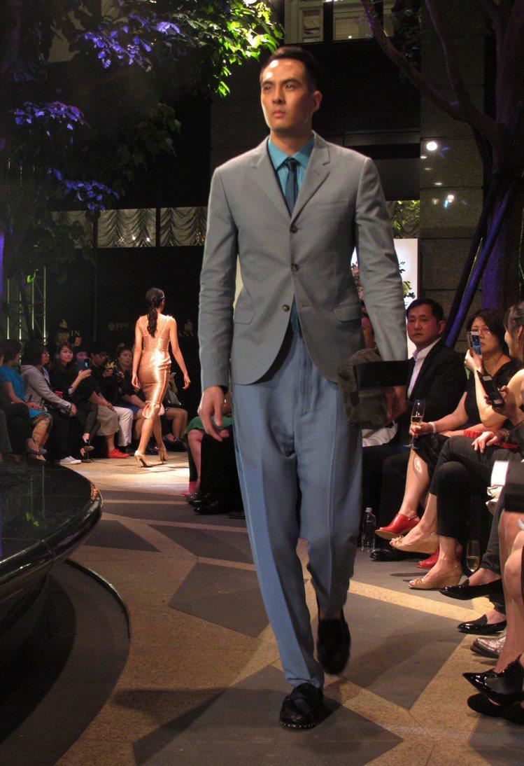 男裝則使用粉彩色系打造柔和年輕之感。記者吳曉涵/攝影