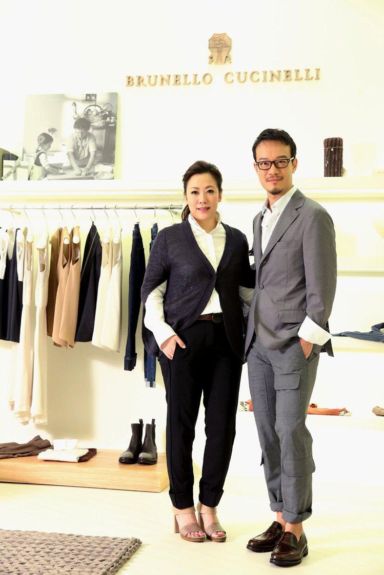 劉軒(右)與黃湘云展示Brunello Cucinelli春夏與早秋的新裝。記者...