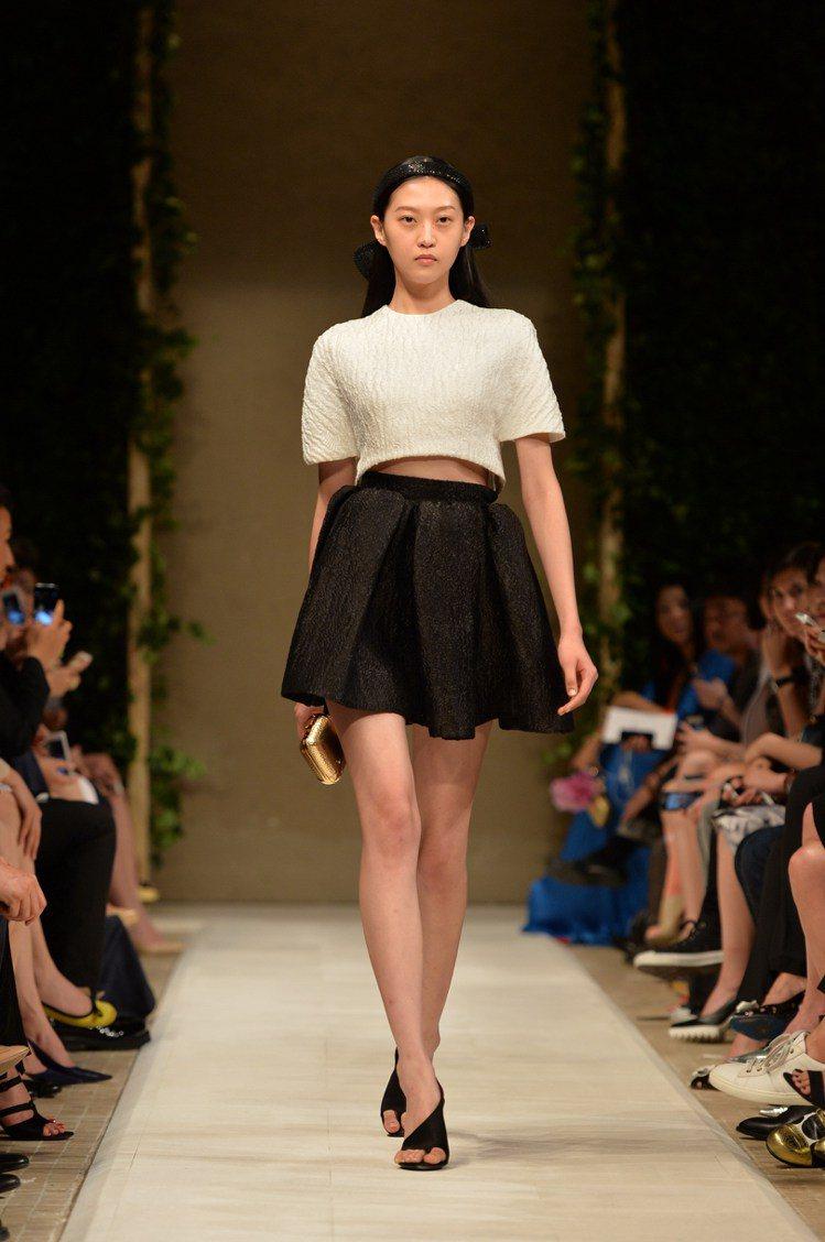 巴黎世家在北京的秀上展出春夏設計和中國獨家設計款的服裝。圖/Balenciaga...