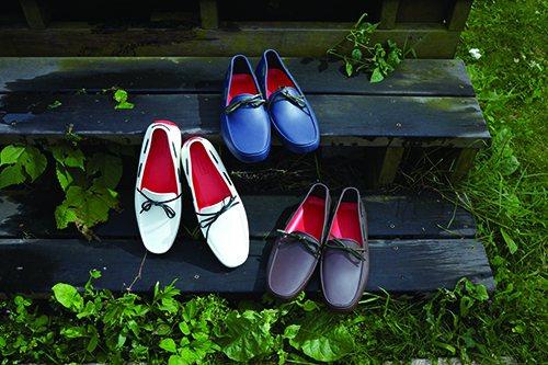 2014春夏最亮眼的款式Original Driving Shoes,以一體成型...