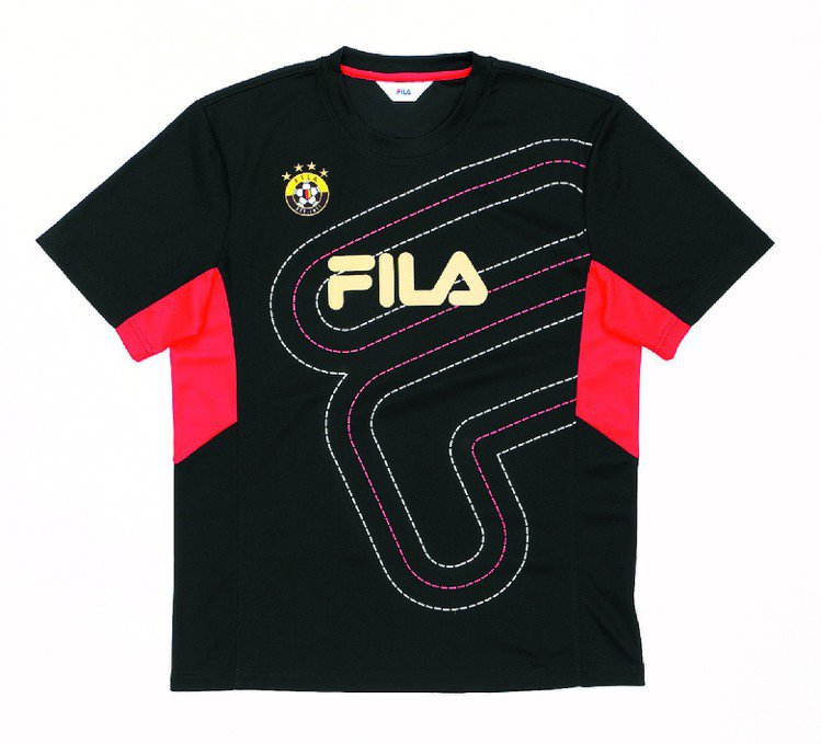 FILA世足賽紀念T-Shirt,1,480元。圖/FILA提供
