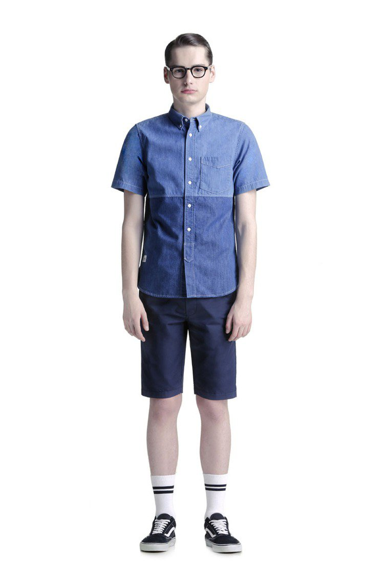 :CHOCOOLATE x BUDDY LEE拼色牛仔襯衫定價2380元、短褲2...