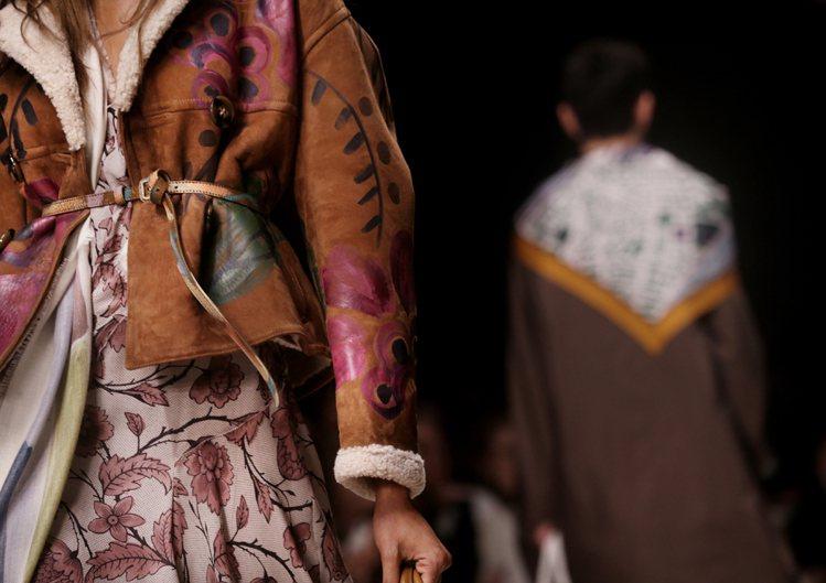 BURBERRY 秋冬女裝靈感來自1920年代的 Bloomsbury 文化圈,...