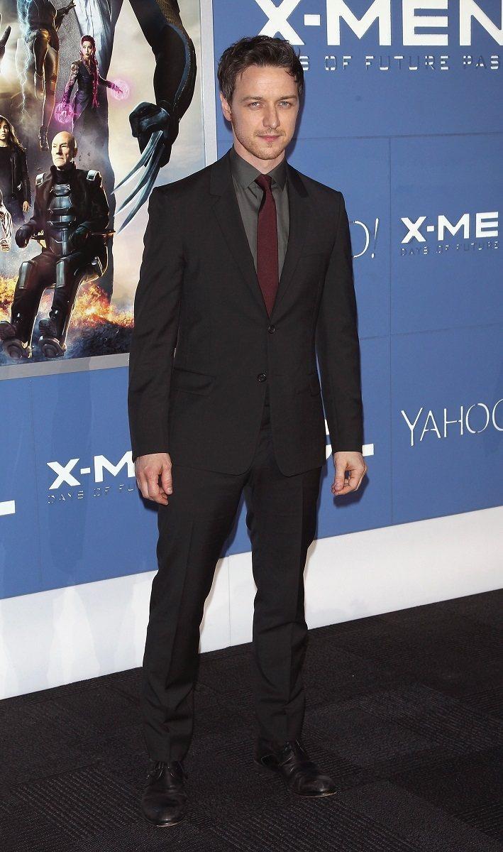 性格男星詹姆斯麥艾維穿出PRADA訂製西裝的品味。圖/PRADA提供