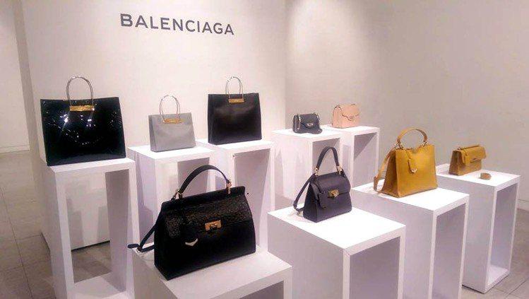 BALENCIAGA也希望時尚迷們除了機車包之外,能感受全新風格的巴黎世家所傳遞...