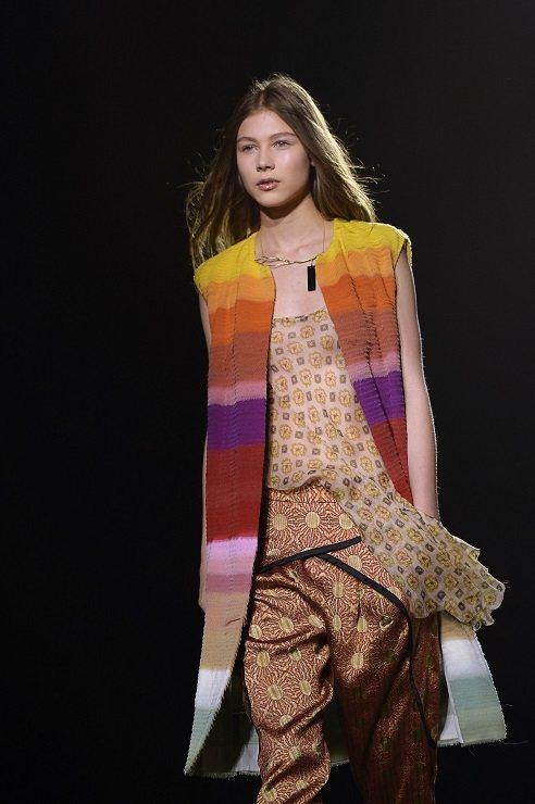 彩虹是Dries Van Noten的時尚元素。圖/法新社