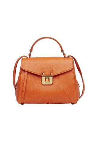 MCM的Christina Boston包,可肩背、可手提,25,800元。圖/...