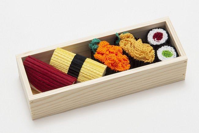 PLEATS PLEASE ISSEY MIYAKE邀請設計大師Taku Sat...