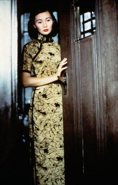 關錦鵬於1992年推出《阮玲玉》,找來張曼玉飾演上海傳奇女星阮玲玉。美術指導朴若...