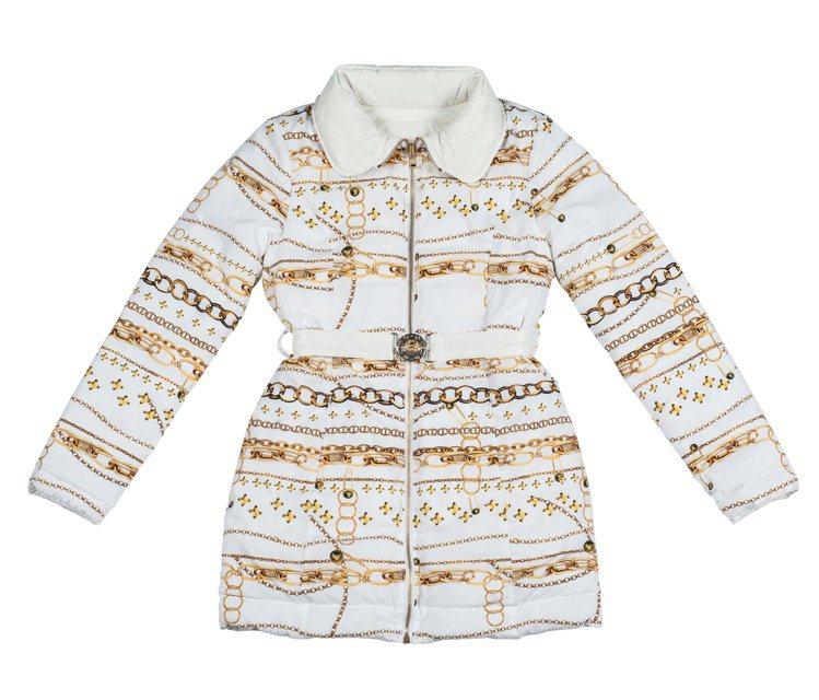 全新 Versus Versace 羽絨夾克主打細膩且色彩豐富的巴洛克印花。31...
