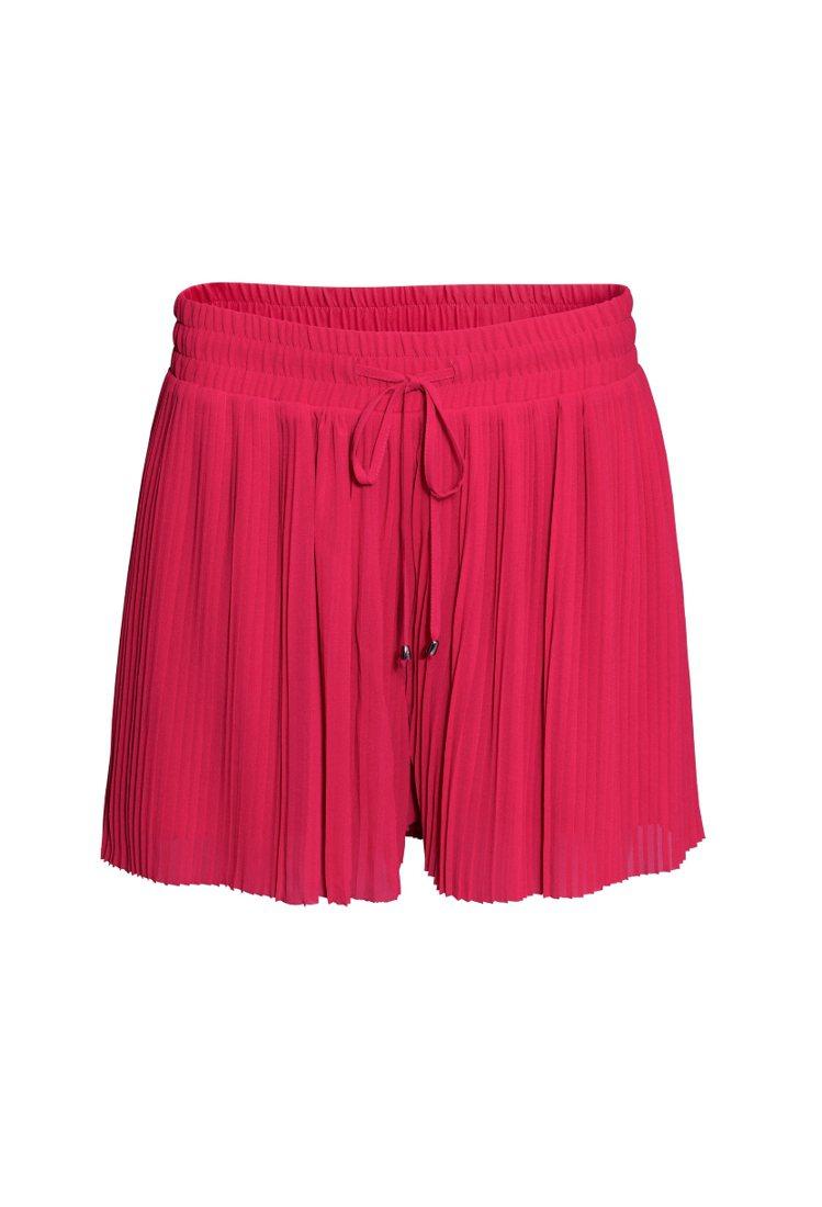 H&M新春系列波浪裙。圖/ H&M提供