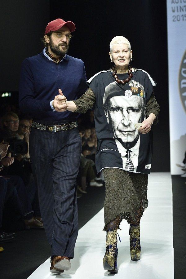 Vivienne Westwood穿查理王子肖像T恤走秀,莫非嗅到什麼政治氣息?...