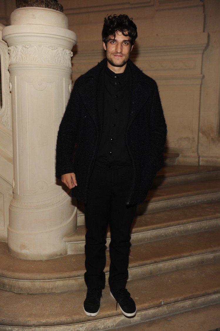 法國男星 Louis Garrell -《Saint Laurent》飾演花花公...