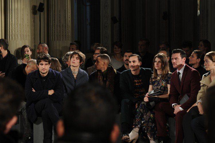 巴黎男裝周由 VALENTINO 帶來藝術感十足的大秀。圖/VALENTINO提...