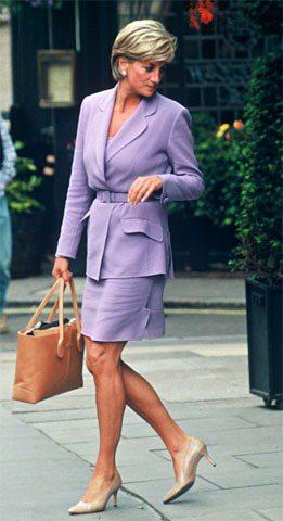 黛妃的套裝裝扮優雅迷人。圖/TOD'S提供