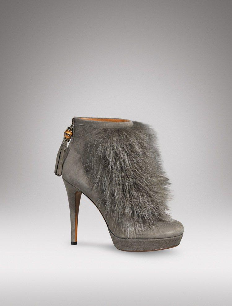 GUCCI皮草裝飾麂皮踝靴 ,售價45,750元。 圖/GUCCI提供
