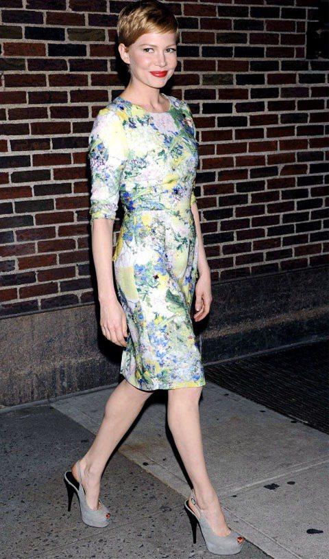 蜜雪兒威廉斯穿印花洋裝上節目。圖/達志影像