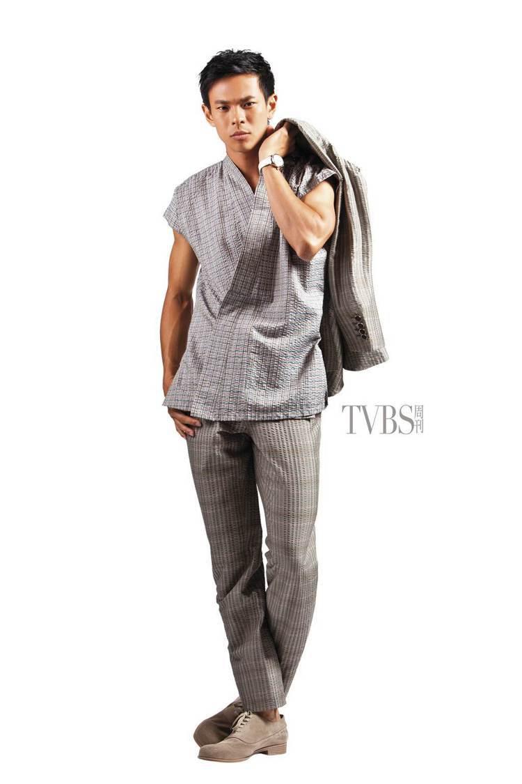 傳統男裝禮服的變調,日式和服的手工紡造絲綢,華貴氣派。圖/TVBS周刊