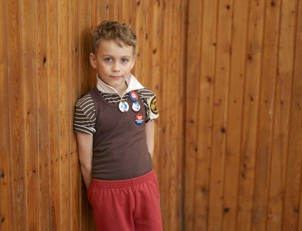 小孩時尚穿搭,配色也可大膽些。圖/she.com Taiwan提供