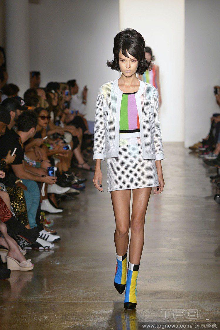 美國時尚設計師Jeremy Scott的設計風格就像無厘頭卡通般跳tone。圖/...