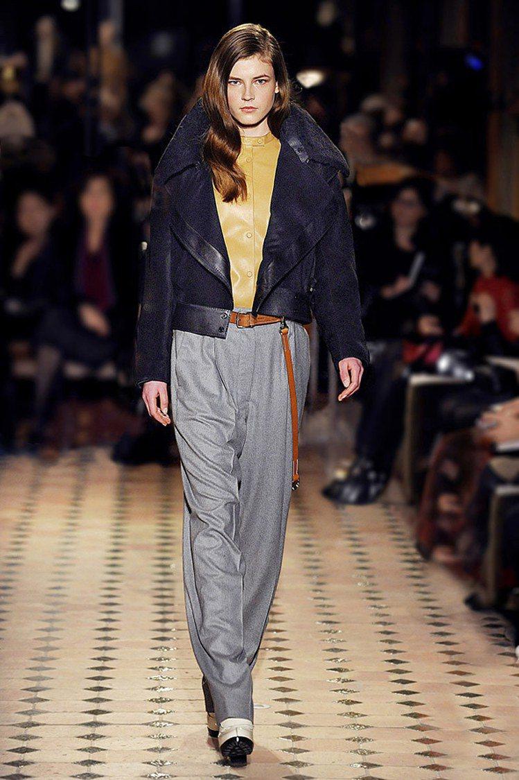 褲款選擇須避免貼合小腿的剪裁。HERMÈS 秋冬。圖/BRAND名牌誌