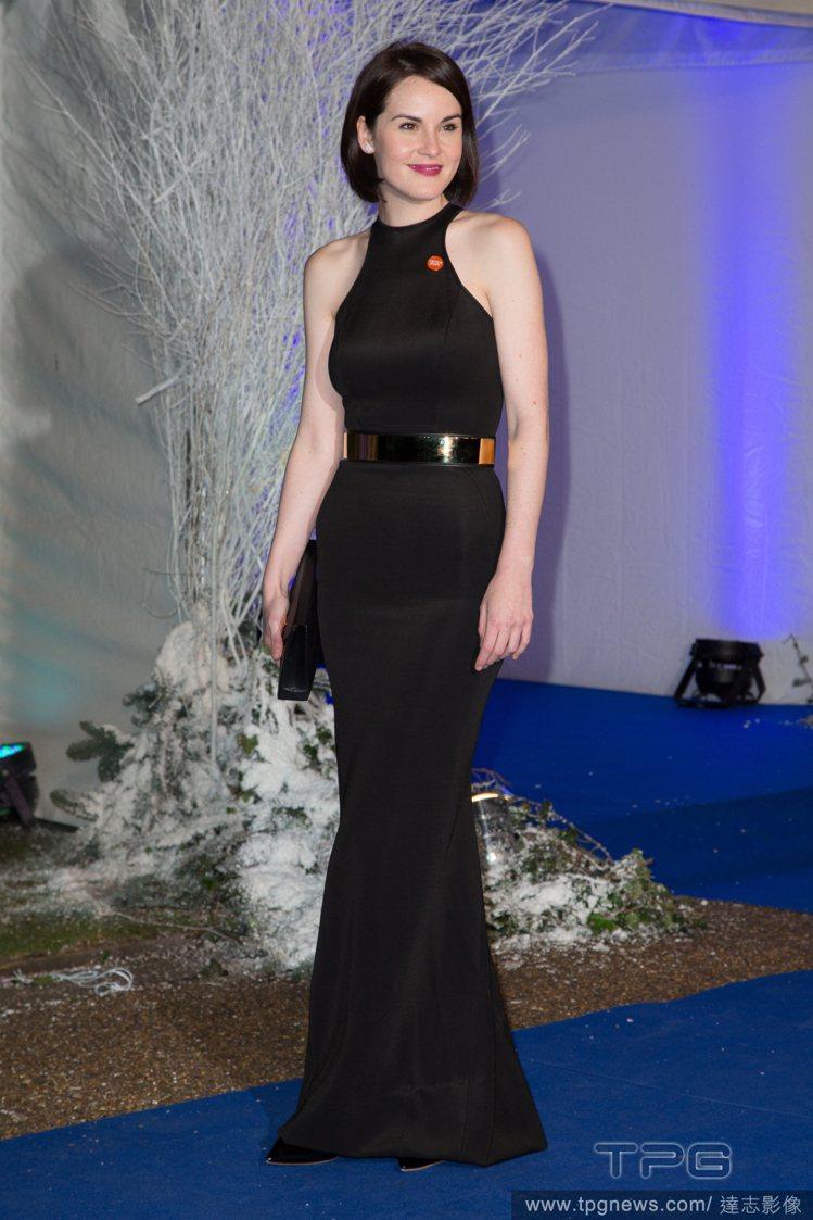 Michelle Dockery 穿著一席 Stella McCartney 黑...