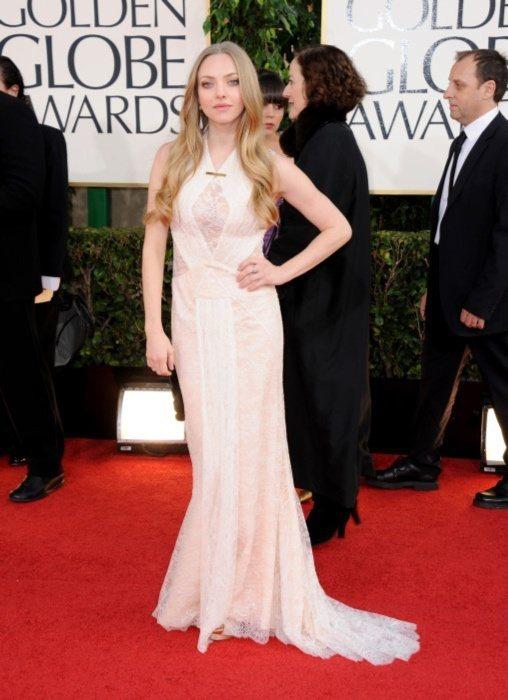 亞曼達賽佛瑞(Amanda Seyfried)出席 2013年金球獎時,穿了 G...