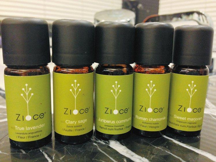 各種不同的精油,可針對放鬆、排毒、舒眠等問題挑選使用。花神精油系列/Zioce。...