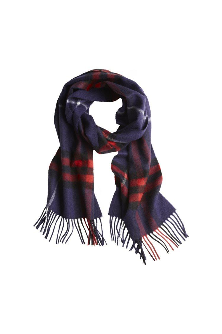 BURBERRY格紋圍巾,19,000元。圖/BURBERRY提供