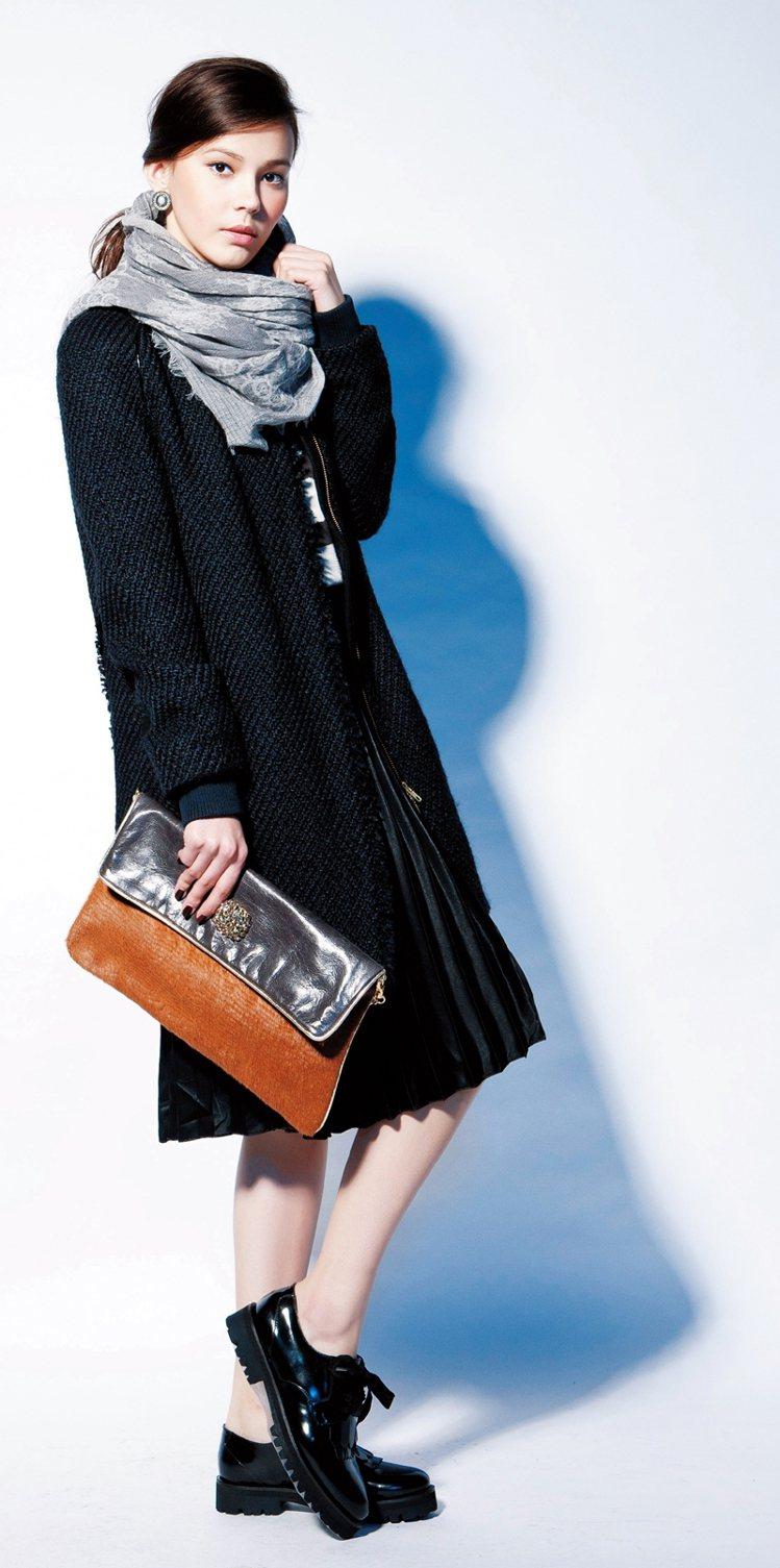 阿富汗圍巾,烘托造型層次。外套NT12,800/KOOKAI,上衣NT7980/...