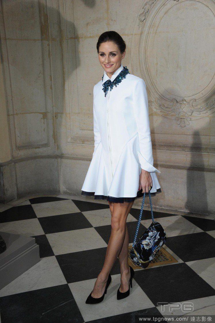 奧莉薇亞巴勒莫(Olivia Palermo )的洋裝除了簡單勾勒出襯衫線條,還...