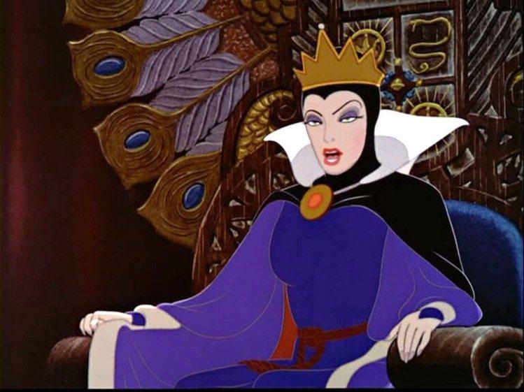 茱莉亞羅勃茲、莎莉賽隆飾演的《白雪公主》壞皇后動畫原型。圖/擷取自fanpop....