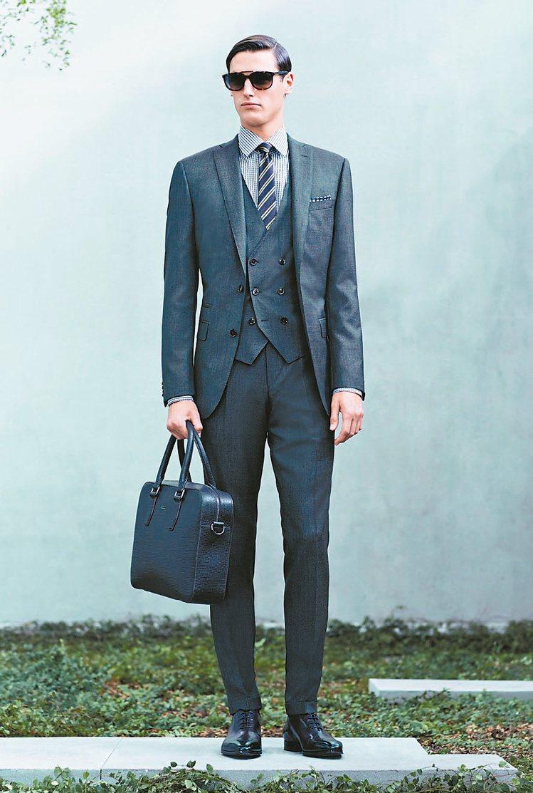 60年代復古西裝強調窄劍領,搭窄版西裝褲。圖/業者提供