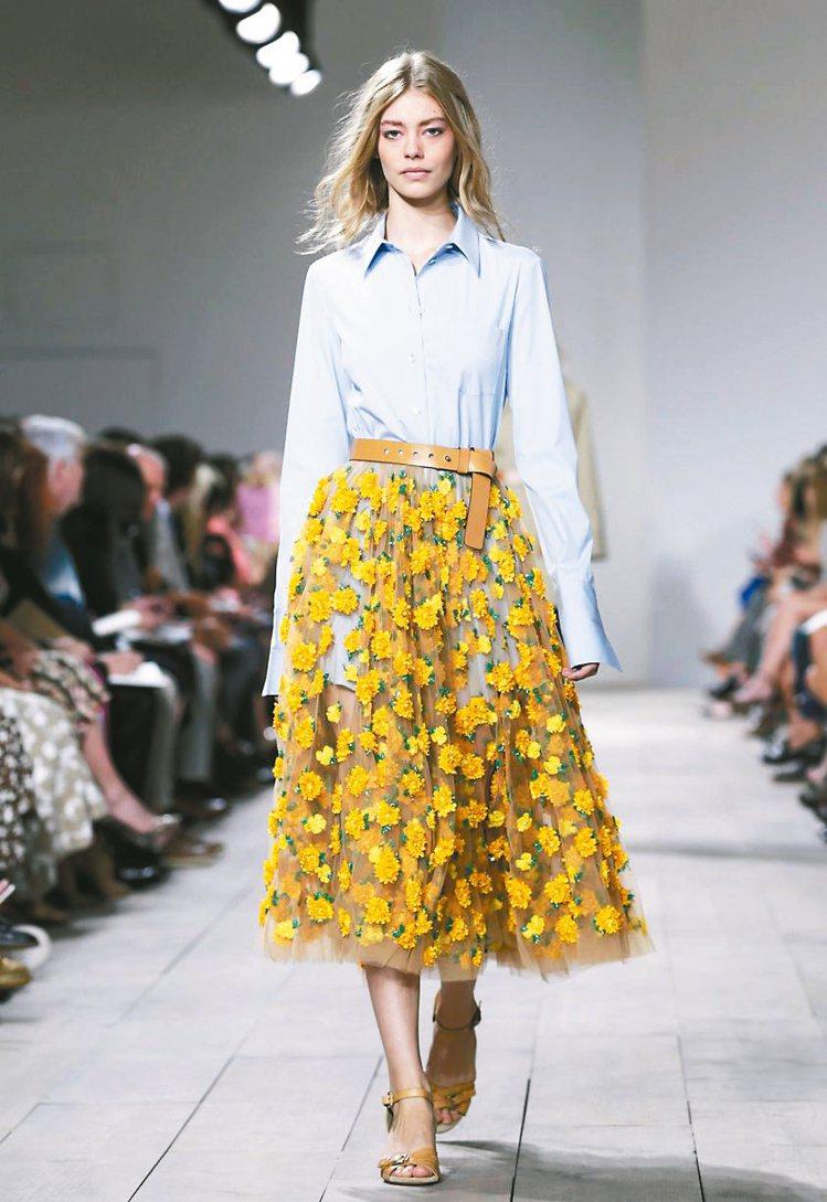 花朵是Michael Kors2015春夏女裝重要元素。圖/歐新社