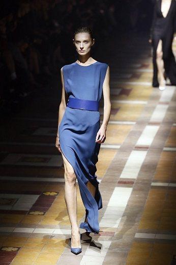 LANVIN重新詮釋經典的「LANVIN BLUE」色調,優雅時尚。圖/法新社