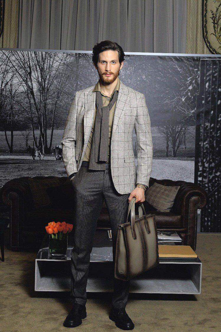 TOD'S在米蘭發表秋冬男裝,為出差男士打造新裝。圖/TOD'...