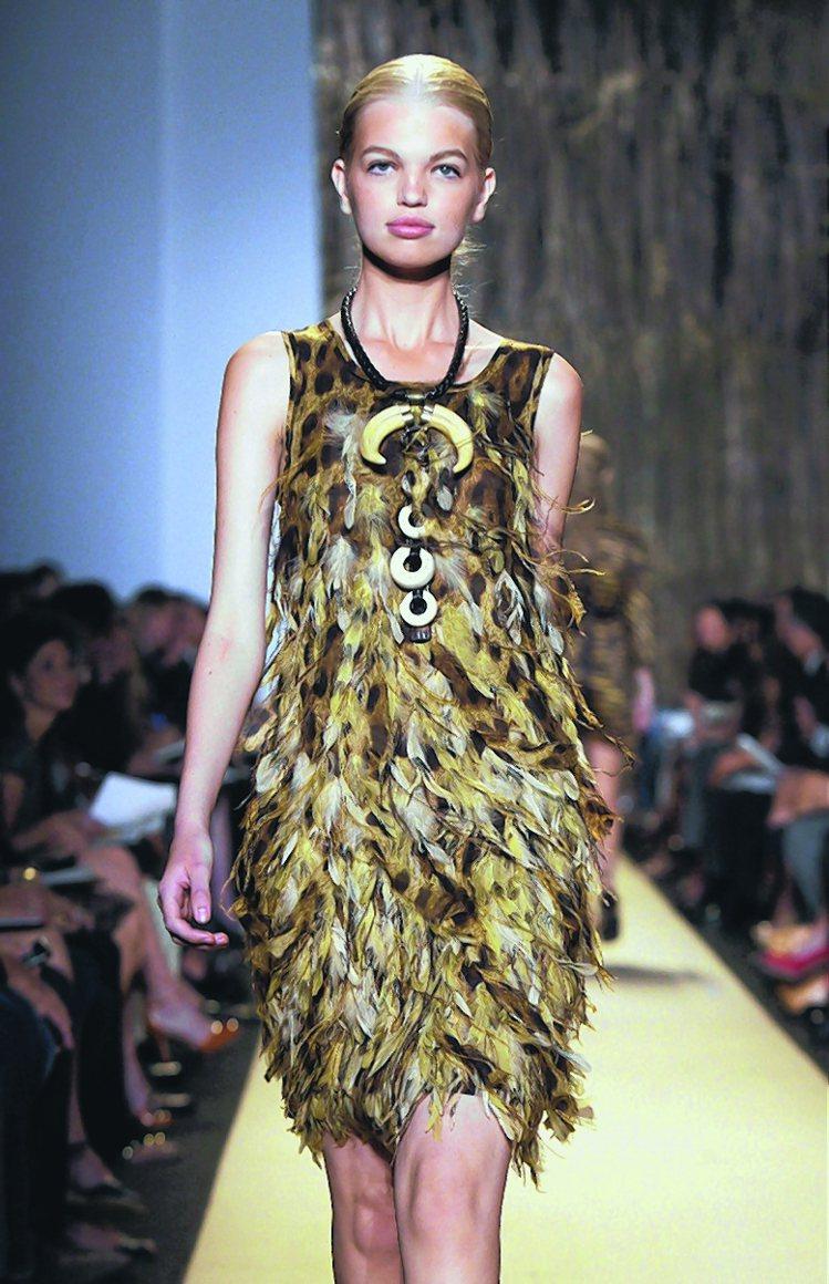 Michael Kors春夏女裝,展現野性美的風情。圖/美聯社