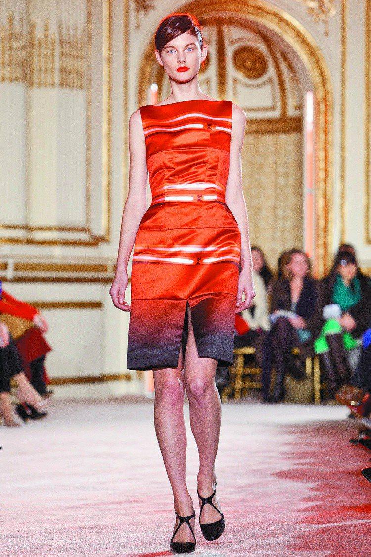 Thakoon今年秋冬卻設計出優雅的服裝,同樣色彩豐富。圖/美聯社