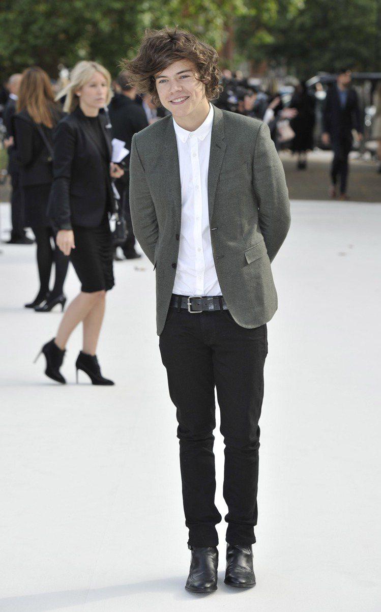 英國當紅樂團1世代成員Harry Styles也出席看秀。圖/BURBERRY提...