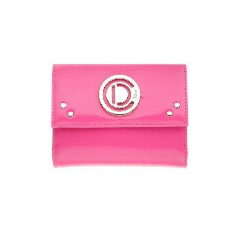 桃紅色Dior 漆亮皮短夾。圖/Dior提供