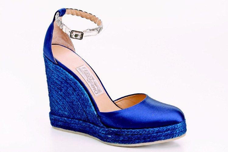 Ferragamo BEAWY緞面高跟鞋,23,500元。圖/Ferragamo...